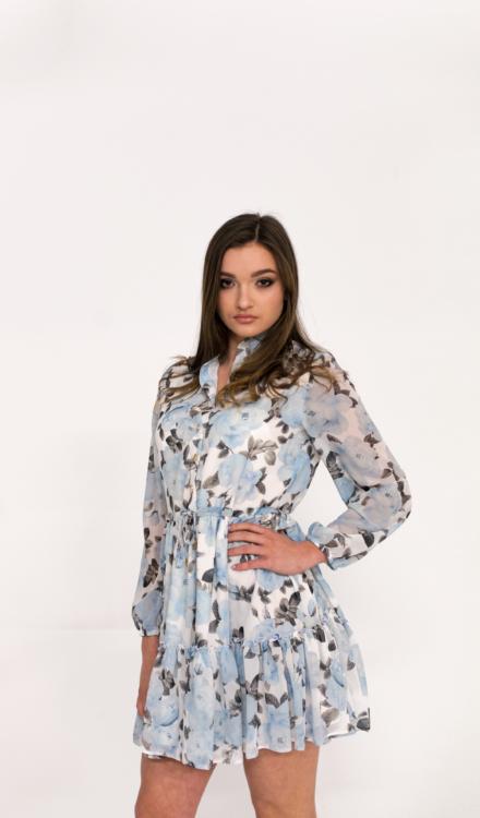 niebieska krótka sukienka tiulowa w kwiaty wiązana z długim rękawem